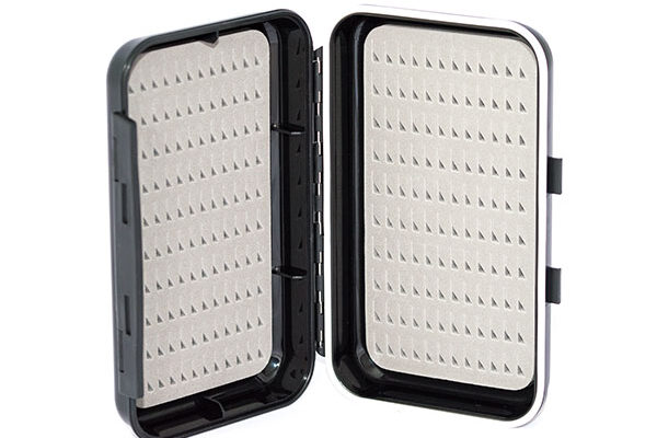 Waterproof ABS Plastic Moulded Fly Box ( holds 240 standard flies) Includes x 22 Mixed Flies